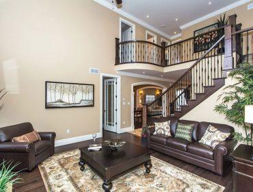 Klondike-Homes-Custom-Staircase